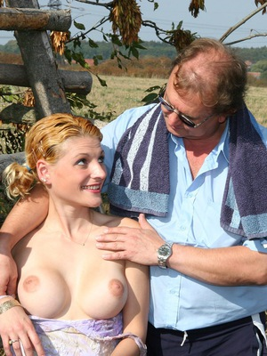outdoor amateur sex